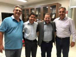 Presidente da Acia São Roque Antonio Di Girolamo, Representante Sebrae, Ferd Rocha, Prefeito Claudio Góes